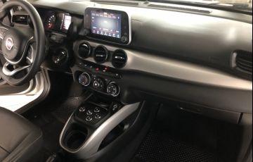 Fiat Cronos 1.3 Drive GSR (Flex) - Foto #9