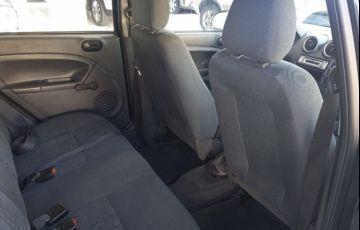 Ford Fiesta 1.0 MPi 8v - Foto #6