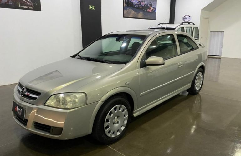 Chevrolet Astra Hatch 2.0 8V 2p - Foto #1