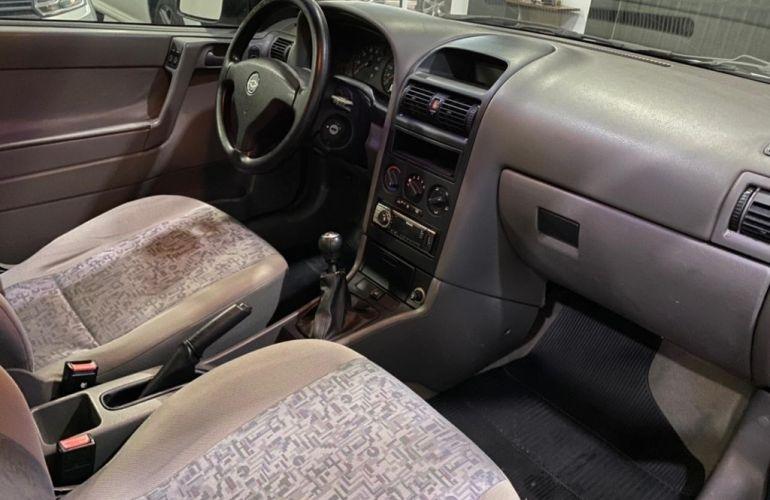 Chevrolet Astra Hatch 2.0 8V 2p - Foto #9