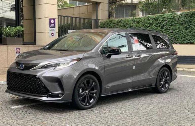 Toyota Sienna 2.5 Hybrid Xse - Foto #1