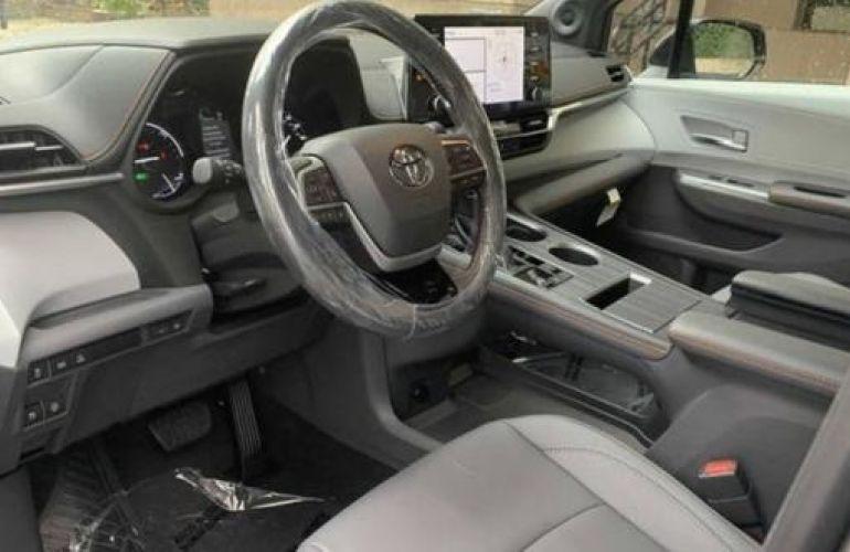 Toyota Sienna 2.5 Hybrid Xse - Foto #2