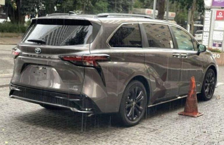 Toyota Sienna 2.5 Hybrid Xse - Foto #6