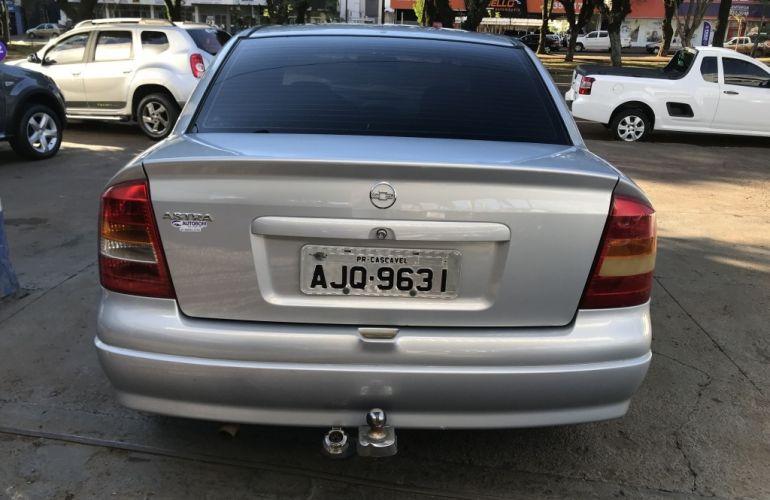 Chevrolet Astra Sedan GL Milenium 1.8 MPFi - Foto #9