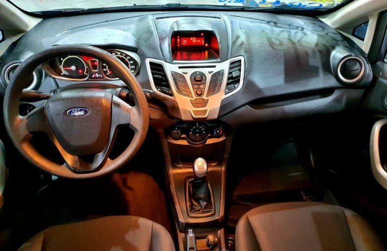 Ford Fiesta 1.6 SE Sedan 16v - Foto #8