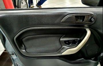 Ford Fiesta 1.6 SE Sedan 16v - Foto #9