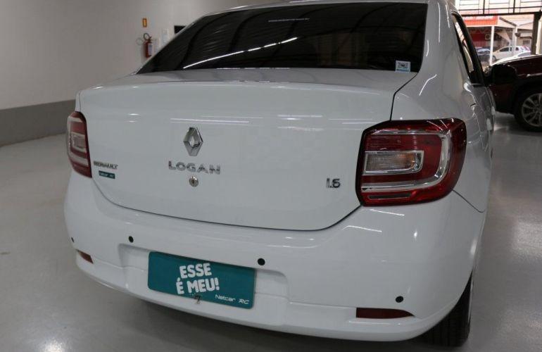 Renault Logan Expression 1.6 8V Hi-Flex - Foto #4