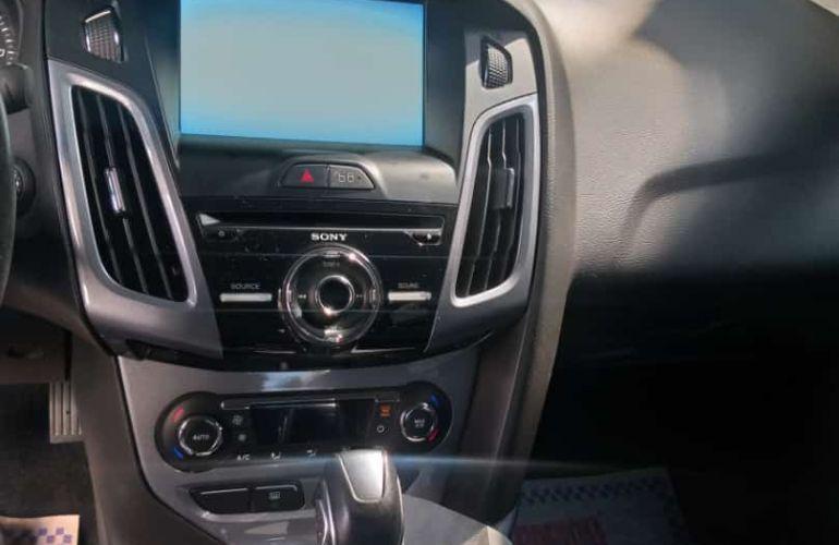 Ford Focus Sedan Titanium 2.0 16V PowerShift - Foto #5