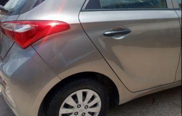 Hyundai HB20S 1.0 Comfort Plus - Foto #9