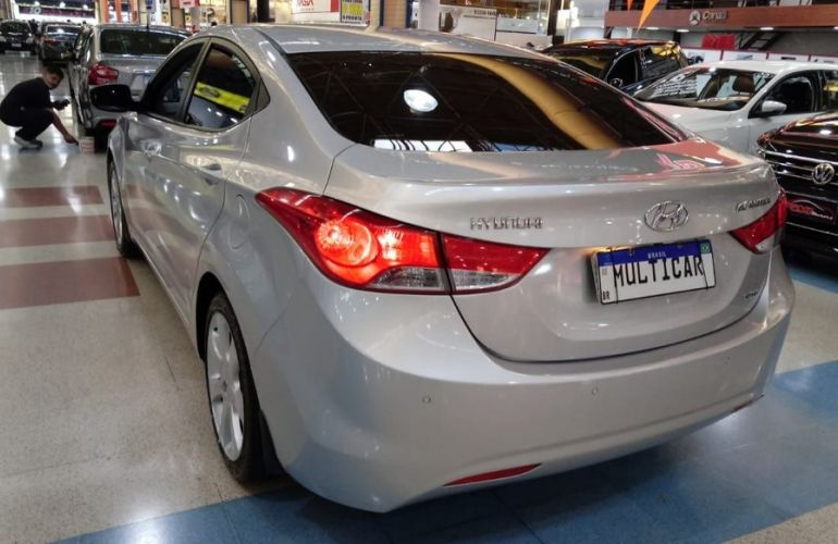 Hyundai Elantra 1.8 GLS 16v - Foto #9