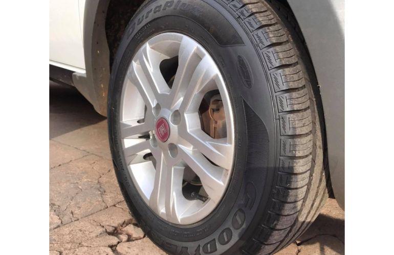 Fiat Palio Weekend Trekking 1.6 16V (Flex) - Foto #7