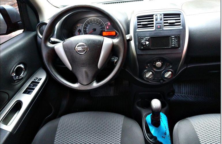 Nissan March 1.0 16V (Flex) - Foto #3