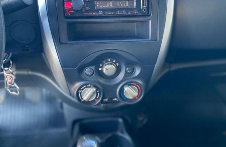 Nissan Versa 1.0 12v S - Foto #3