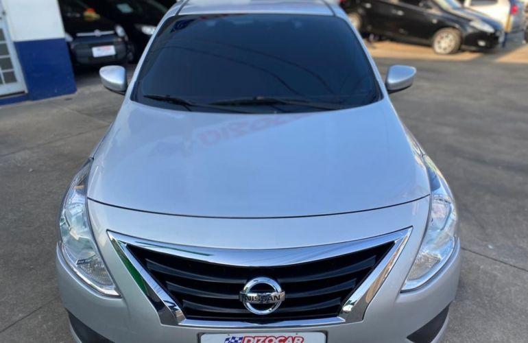Nissan Versa 1.0 12v S - Foto #5