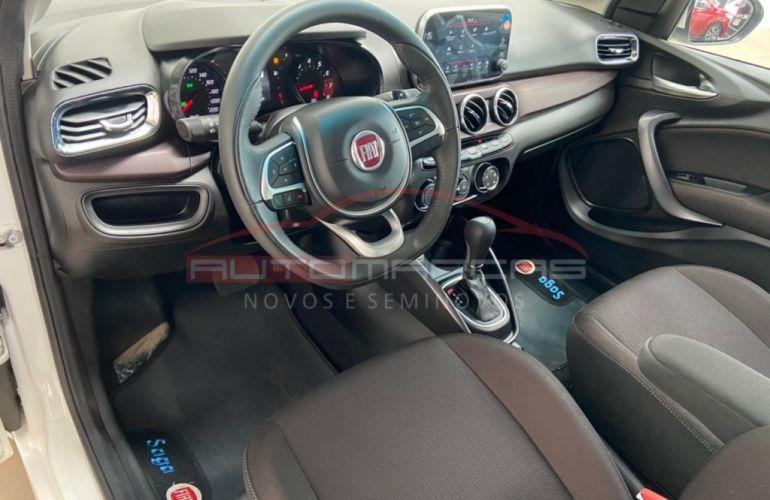 Fiat Cronos 1.8 Precision AT - Foto #9