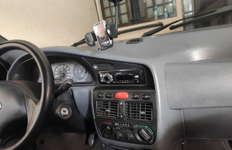 Fiat Palio ELX 1.0 MPi 500 anos - Foto #3