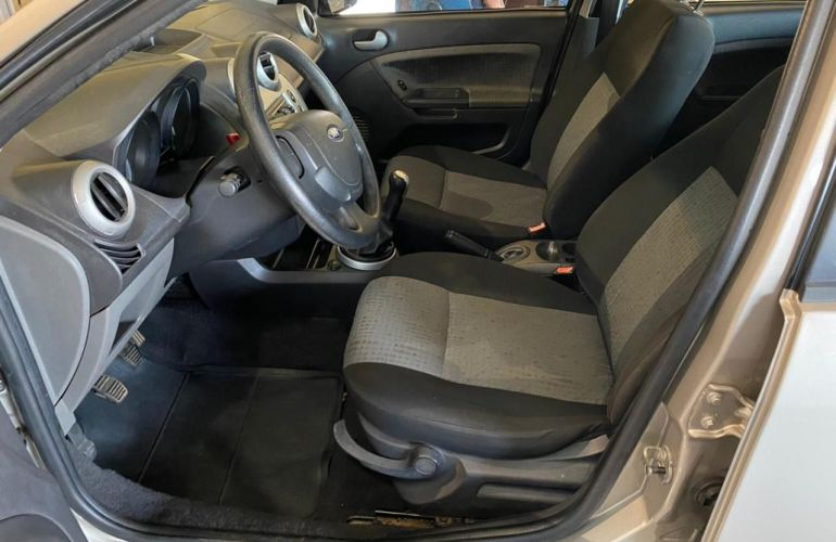 Ford Fiesta Sedan Rocam 1.6 8V Flex - Foto #4