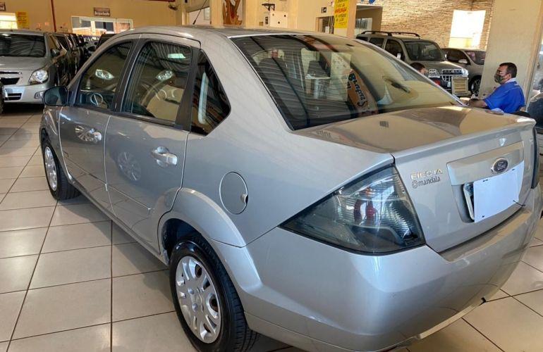Ford Fiesta Sedan Rocam 1.6 8V Flex - Foto #6