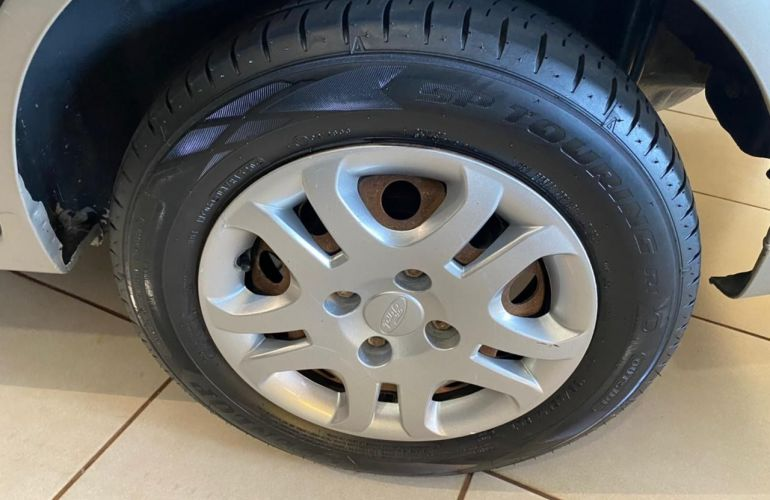 Ford Fiesta Sedan Rocam 1.6 8V Flex - Foto #8