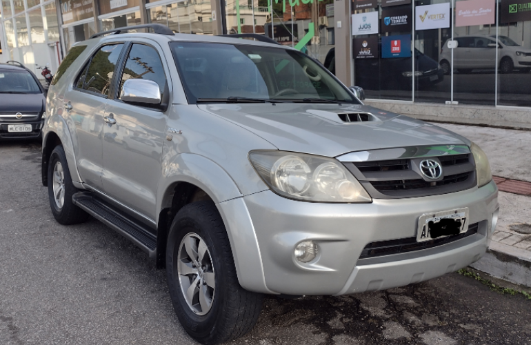 Toyota Hilux SW4 SRV 4x4 3.0 Turbo  (aut) - Foto #4