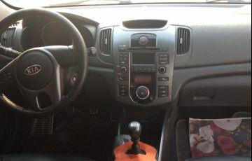 Kia Cerato 1.6 Sedan 16v - Foto #4