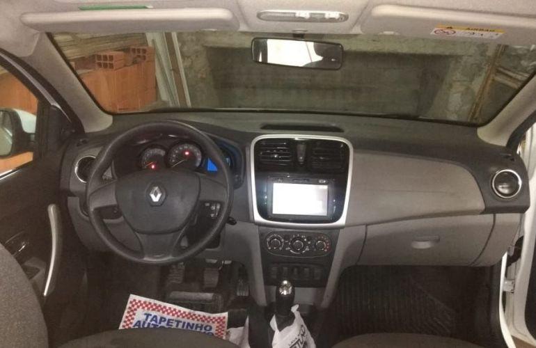 Renault Logan Expression Pack Avantage 1.0 12V SCe (Flex) - Foto #2
