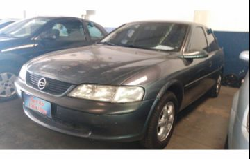 Chevrolet Vectra 2.0 8V Plus - Foto #2