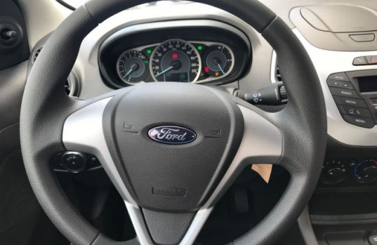 Ford KA SE 1.0 - Foto #5