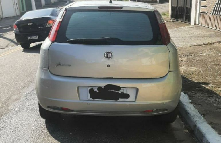 Fiat Punto 1.4 (Flex) - Foto #1