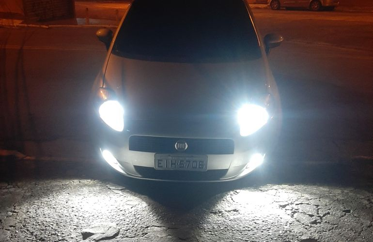 Fiat Punto 1.4 (Flex) - Foto #6