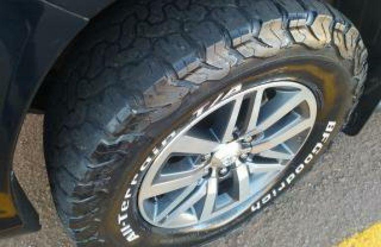 Toyota Hilux 2.8 TDI CD SRX 4x4 (Aut) - Foto #8