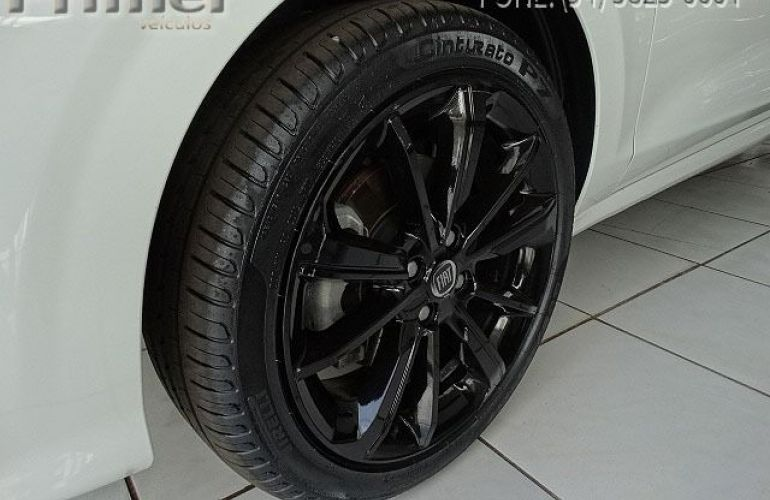 Fiat Cronos HGT 1.8 - Foto #5