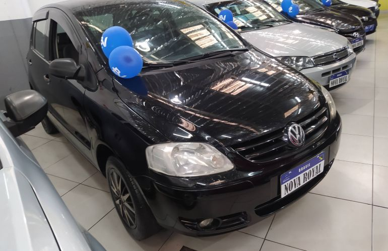 Volkswagen Fox Plus 1.0 8V (Flex) - Foto #2