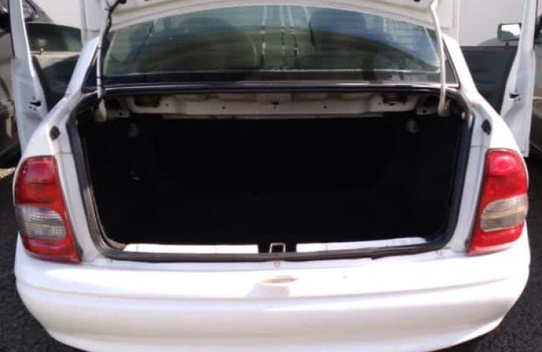 Chevrolet Corsa Sedan Spirit 1.6 - Foto #2