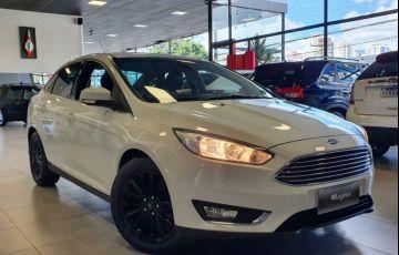 Ford Focus 2.0 Titanium Sedan 16v