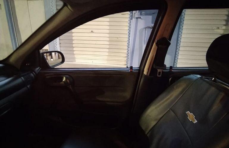 Chevrolet Corsa Sedan Joy 1.0 - Foto #1