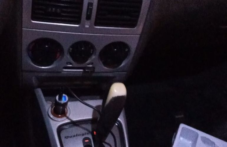 Fiat Siena HLX 1.8 8V Dualogic (Flex) - Foto #6