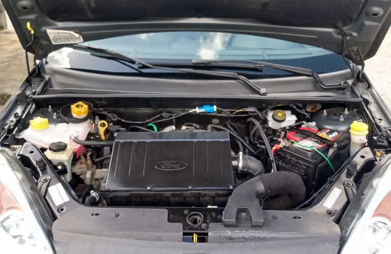 Ford Fiesta Hatch SE Plus 1.0 RoCam (Flex) - Foto #1