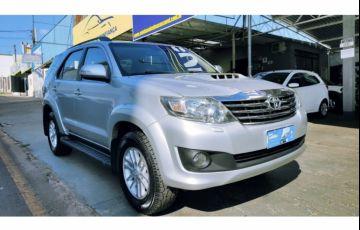 Toyota Hilux SW4 SRV 3.0 4X4(5 lugares)