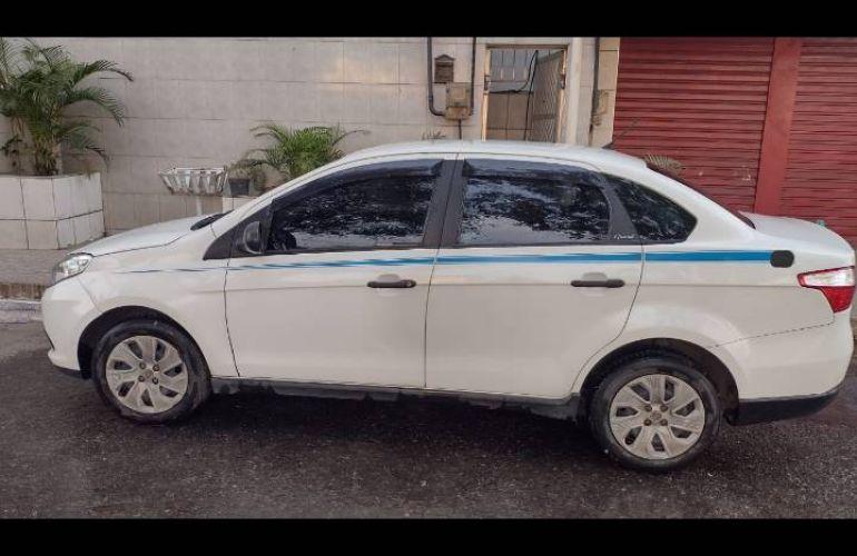 Fiat Grand Siena Attractive 1.4 Evo (Flex) - Foto #1