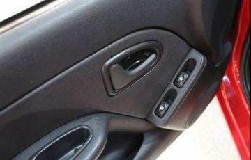 Renault Clio 1.0 Expression 16v - Foto #6