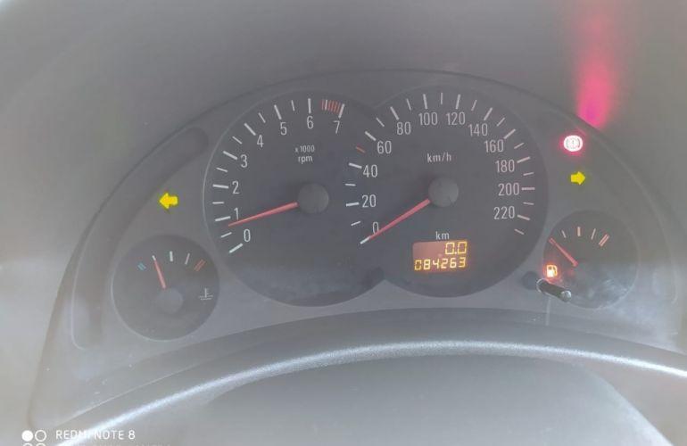 Chevrolet Corsa Hatch Joy 1.0 (Flex) - Foto #10
