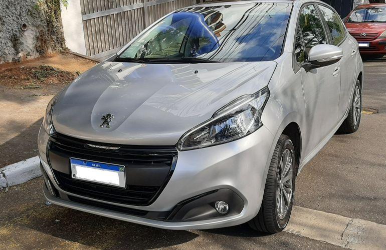 Peugeot 208 1.6 Griffe (Aut) - Foto #1