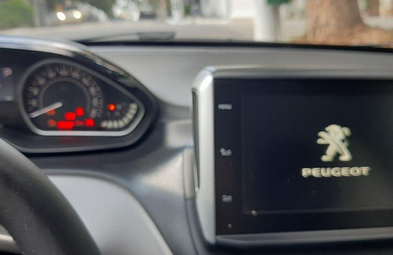 Peugeot 208 1.6 Griffe (Aut) - Foto #4
