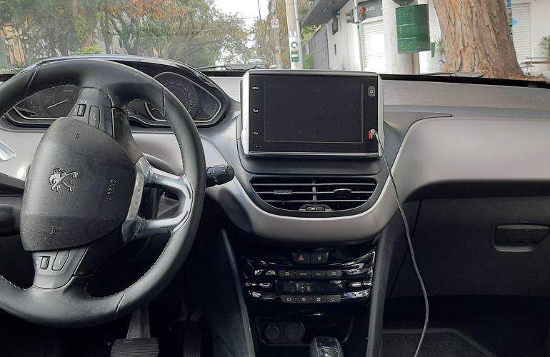 Peugeot 208 1.6 Griffe (Aut) - Foto #8