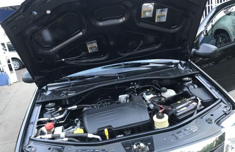 Renault Logan Authentique Plus 1.0 16V (flex) - Foto #8