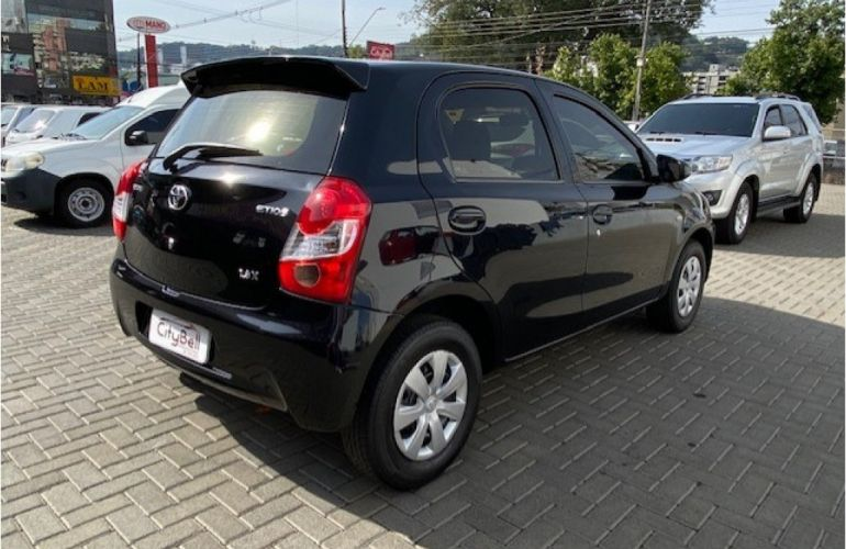 Toyota Etios 1.3 X - Foto #4