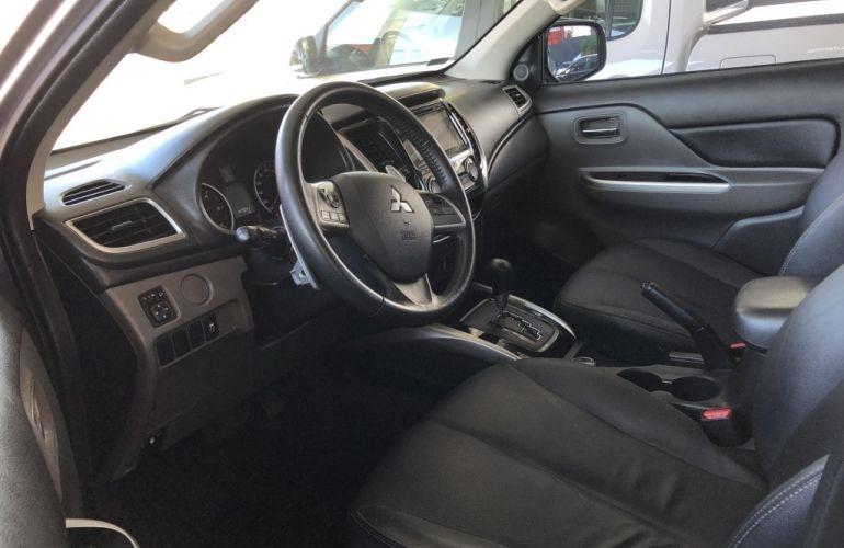 Mitsubishi L200 Triton Sport 2.4 DID-H HPE-S Top 4WD (Aut) - Foto #2