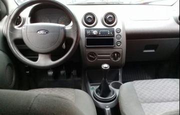Ford Fiesta 1.0 MPi 8v - Foto #5