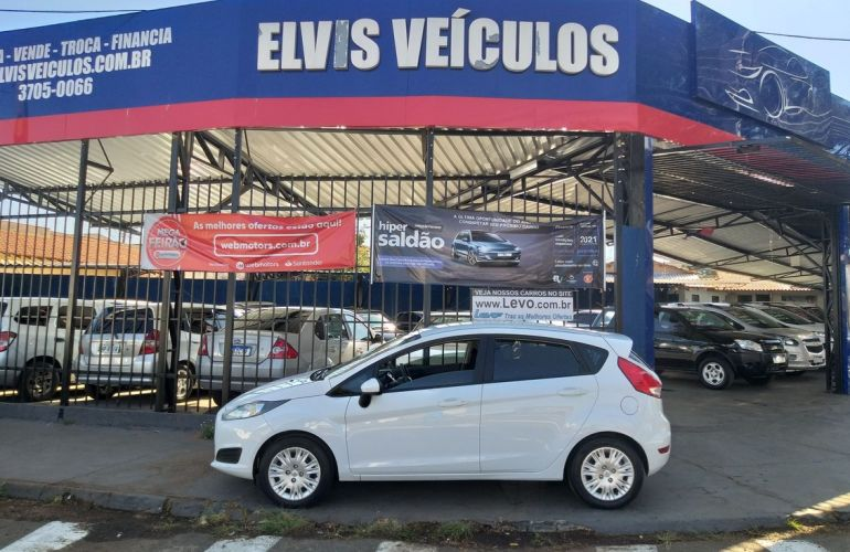 Ford Fiesta 1.5 SE Hatch 16v - Foto #1